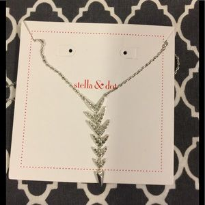 New with Tags Stella & Dot Silver Arrow Necklace